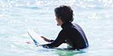 日常を忘れて宮古島のサーフトリップ。趣味を楽しむ男ひとり旅。