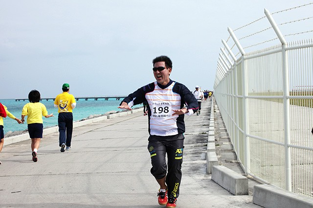 下地島の空港沿いを走るコース