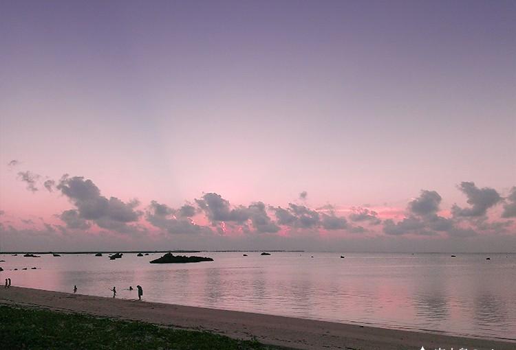 佐和田の浜の優しい夕暮れ