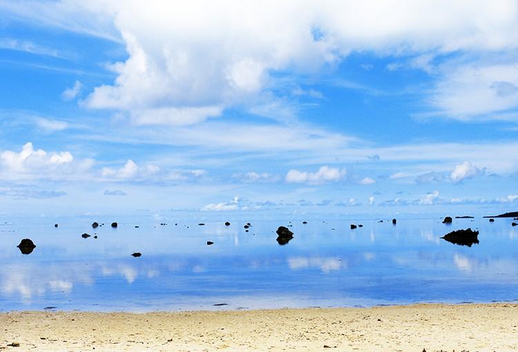 佐和田の浜の大岩たち