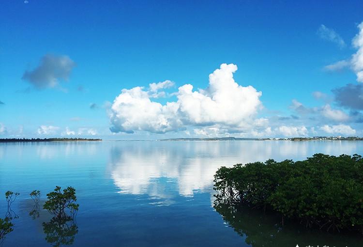 宮古島の凪の海