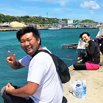 島のおじぃと港釣りツアー